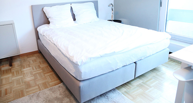 Queen size <strong>bed</strong>